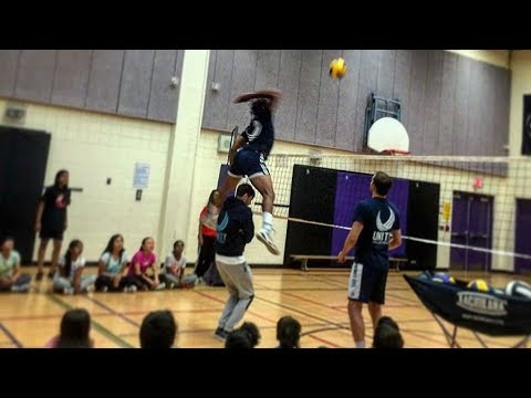 SPIKE OVER THE MAN !? Crazy Volleyball Spikes (HD)