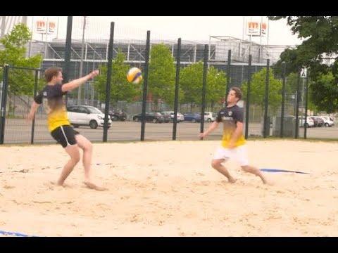 Beach Soccer Fußball Challenges — freekickerz vs. Profi