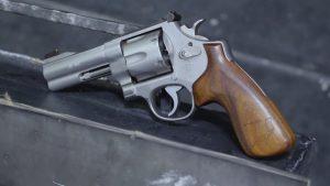 Револьвер, который создал Джерри Мичулек. S&W625JM